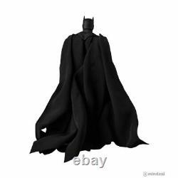 Batman Hush Black Ver. Mafex 6.5-Inch Toy Figure by Medicom Toy