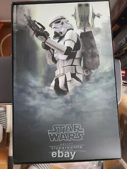 Hot Toys MMS386 Star Wars Rogue One Stormtrooper Jedha Patrol Toysrus Ver