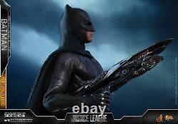 Justice League Ben Affleck Batman Deluxe Ver 1/6 Figure Hot Toys Sideshow MMS456