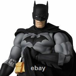 MAFEX No. 126 BATMAN (BATMAN HUSH BLACK Ver.) ACTION FIGURE