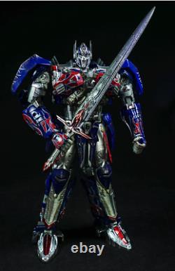 Pre-order New Unique toys UT R-02 Challenger Optimus Prime Battle Damaged Ver