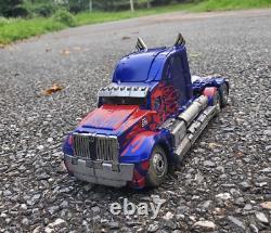 Pre-order Toyworld TW-F01 TW F01 Optimus Prime MPM OP Deluxe Ver. Action Figure